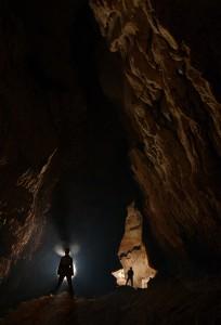 fiji-cave-exploring